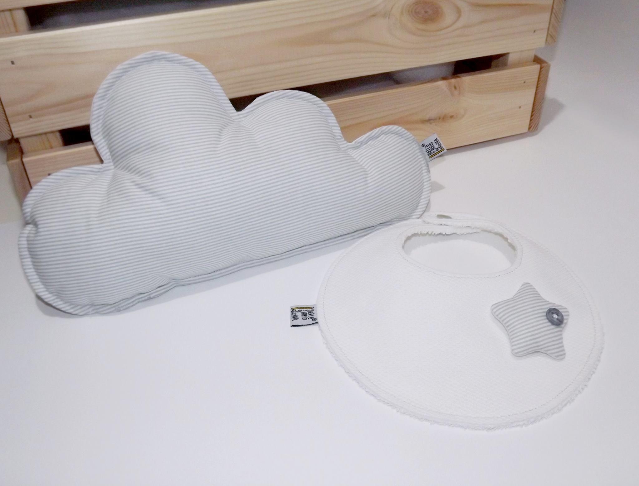Almofada em forma de nuvem + Babete