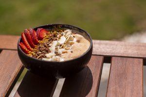 Smoothie Bowl de Pêssego e Cenoura